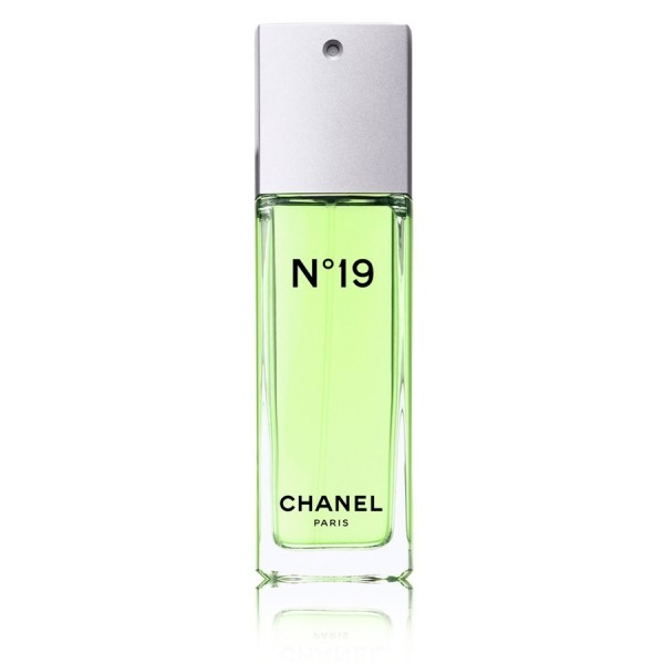 CHANEL N°19 Eau de Toilette Women. 50ml